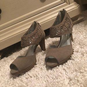 Wide Width Women's Heels